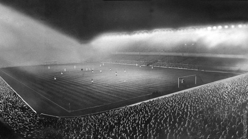 gun__1357901970_highbury_floodlights