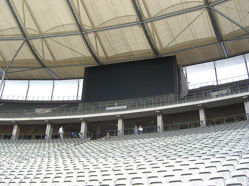 800px-Olympic_stadium_display_panel