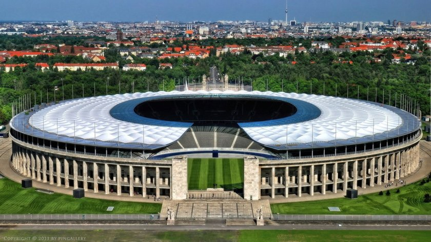 berlin_olympic_stadium_by_pingallery-d3byp9g