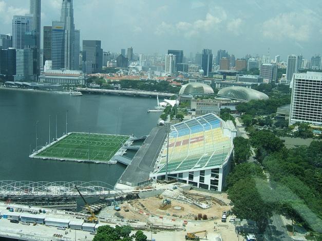 Stadium+on+the+water+Marina+Bay+