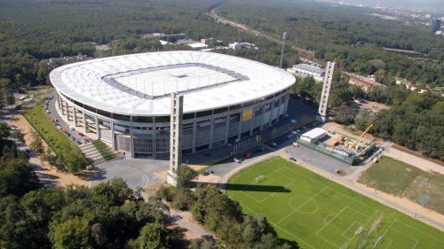 stadion_stadion_roof_closed_copyright_dieter_fehrenz_2_500_281