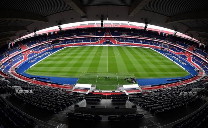 Resultado de imagen para Fotos del estadio de fútbol del Parque de los Príncipes (París)