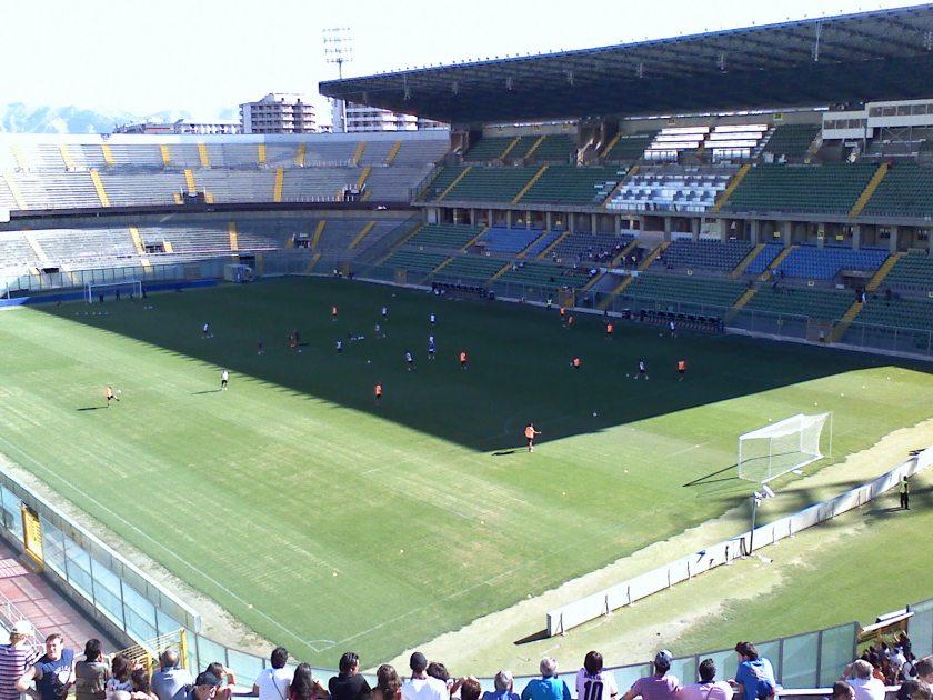 stadio_renzo_barbera_interno_giorno