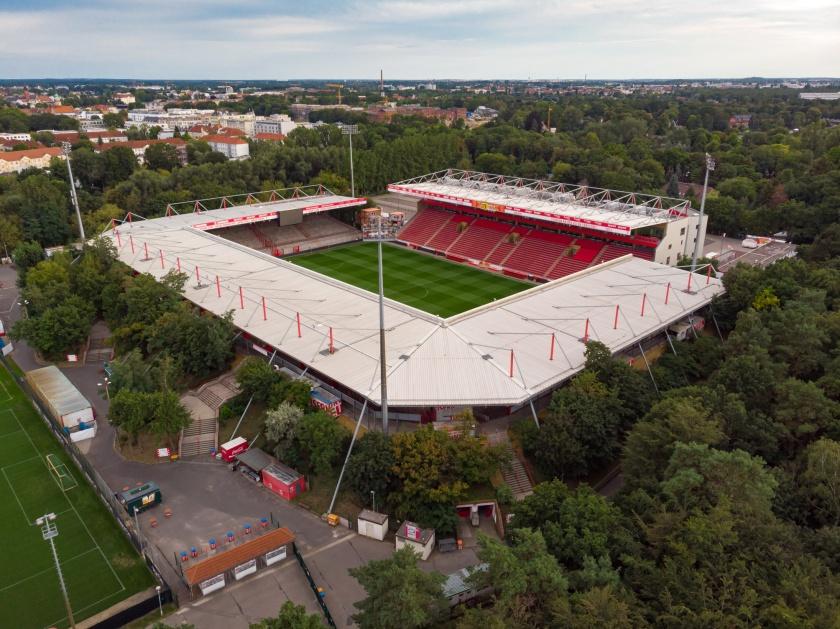 19-08-17-Stadion-an-der-alten-Foersterei-DJI_0275