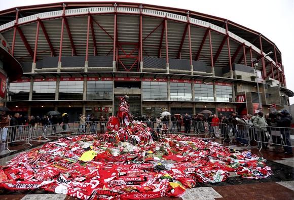 Portuguese soccer legend Eusebio dies at 71
