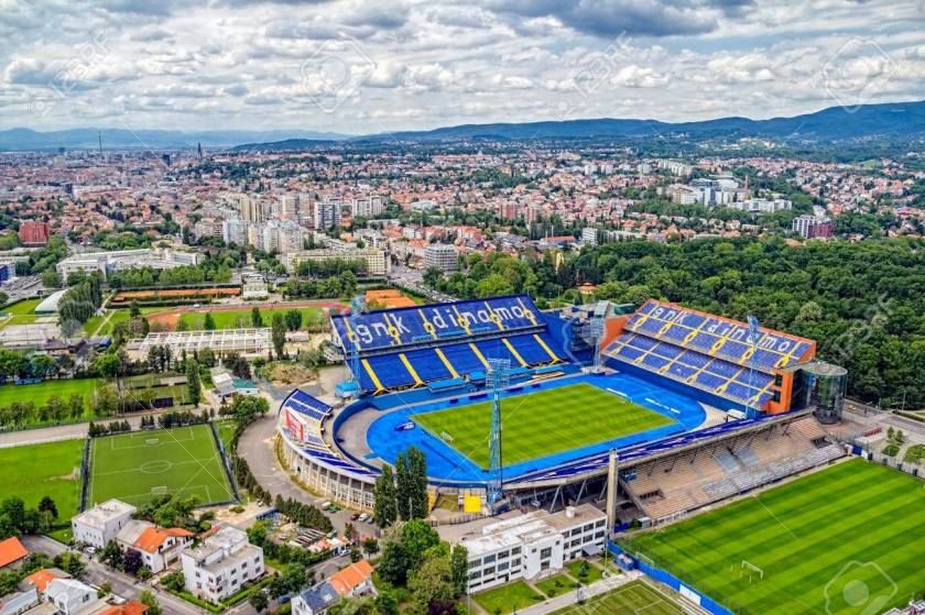 21838481-zagreb-croacia-26-de-mayo-el-estadio-maksimir-es-el-campo-oficial-del-club-de-fútbol-dinamo-el-26-de-may