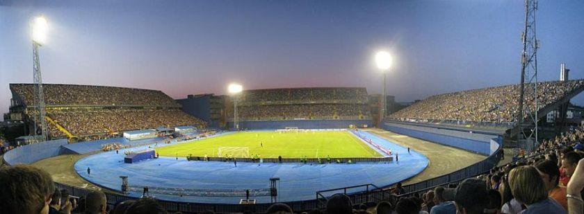 900px-Stadion_Maksimir_panoramics_13-07-2011 (1)
