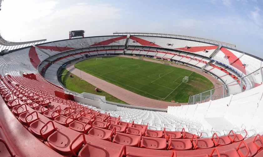 buenos-aires-stadium-tour-la-bombonera-boca-junior-and-el-monumental-river-plate_header-27031