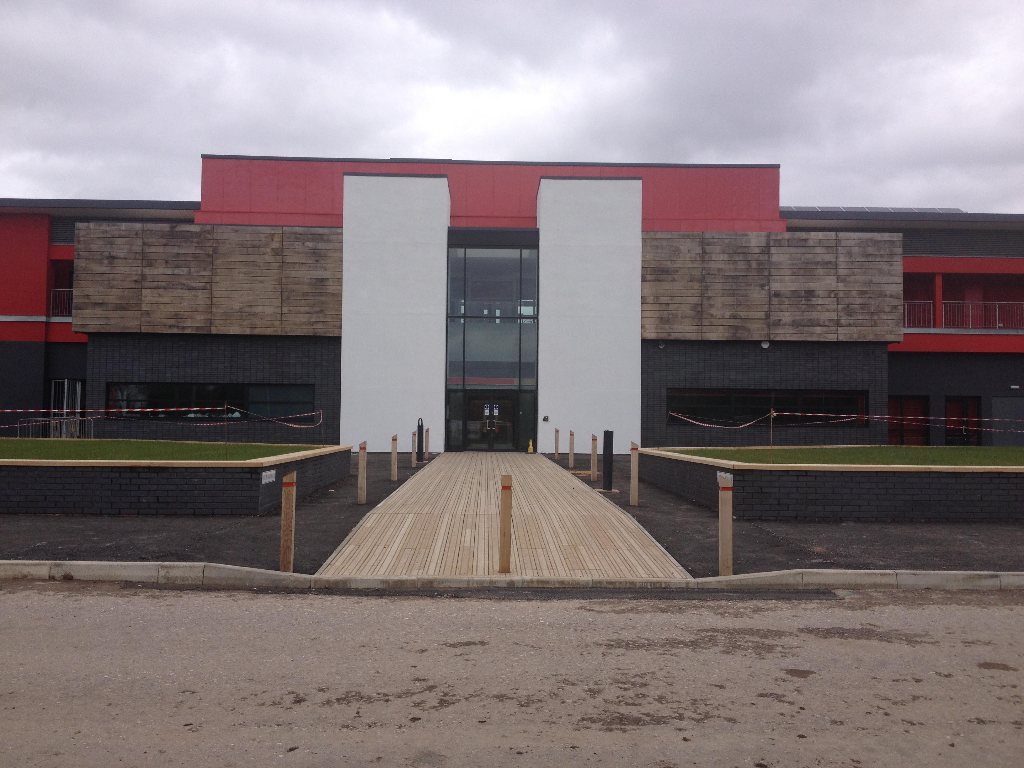 Broadhurst_Park_–_Front_entrance