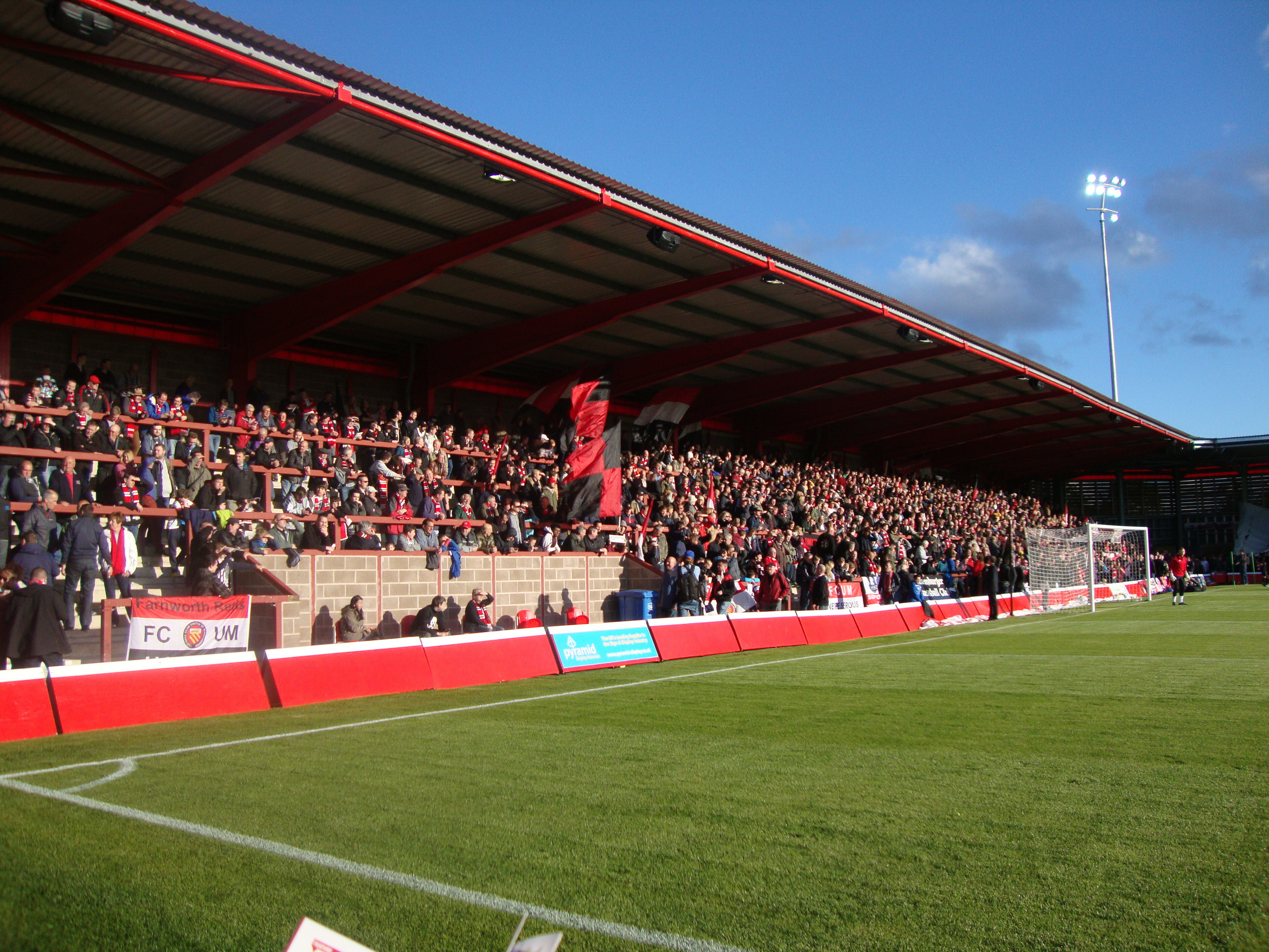 St_Mary's_Road_End,_Broadhurst_Park_–_FC_United_2015